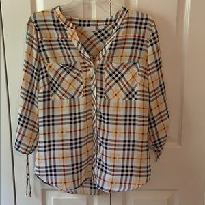 New York & Co 3/4 sleeve button blouse. Med. NWOT.